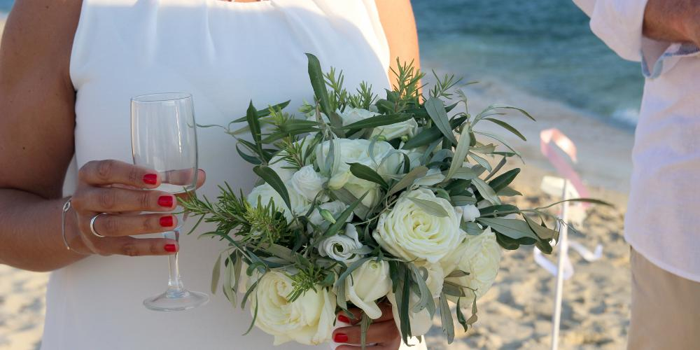 Wolfgang & Daniela: A Magical Civil Ceremony on Plaka Beach